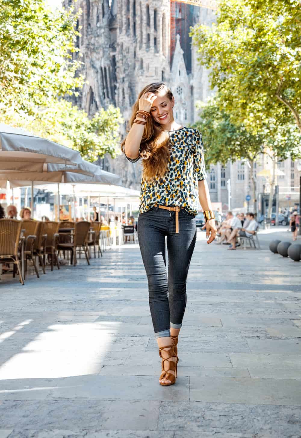Christmas In July Ladies Outfits.How To Dress In Barcelona According To Season Latitude 41