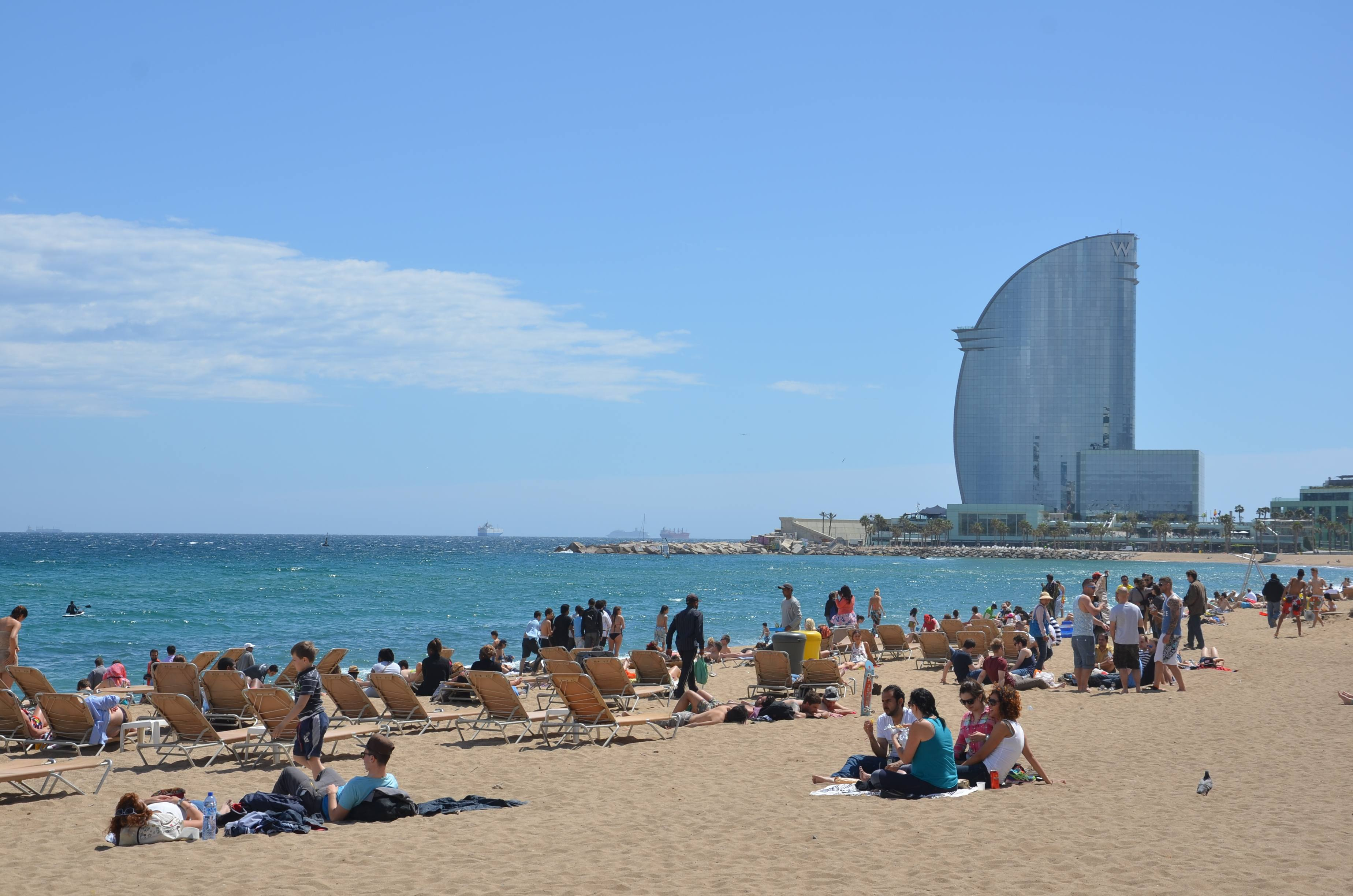 One of the top 10 things to do in Barcelona: hit the beach!