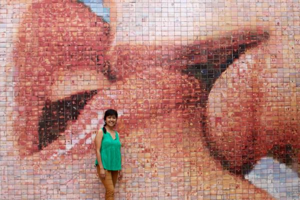 """""""The World Begins with Every Kiss"""": a photomasic, one of the hidden Barcelona, Spain, attractions"""