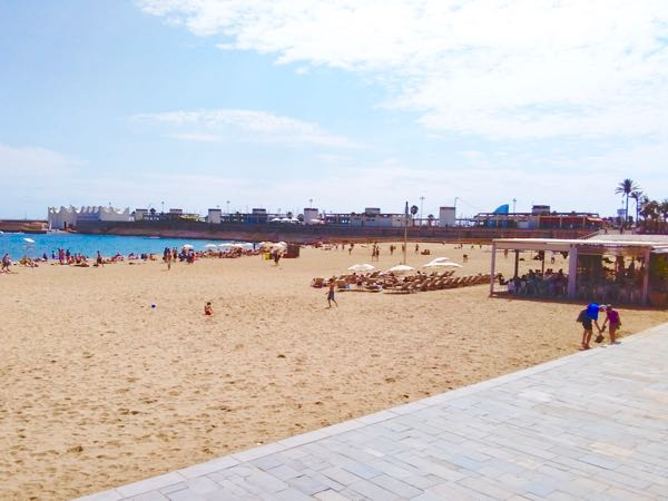 The beach, one of the best places to go in Barcelona