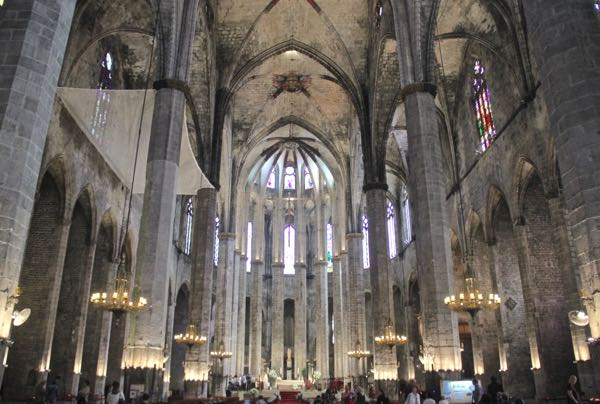 Santa Maria del mar: Barcelona places to visit