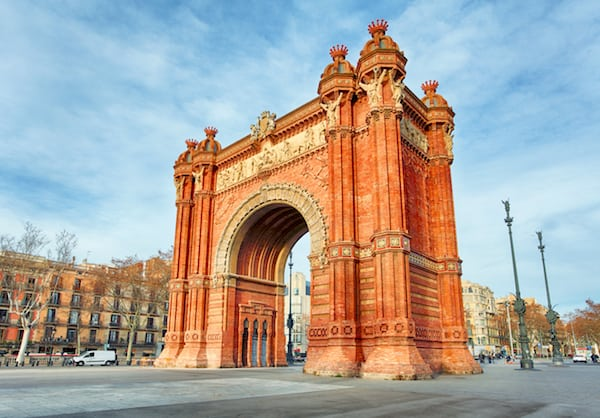 What to do in Barcelona in 4 days: Visit the Arc de Triomf!